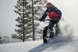 Fatbike vintertid i Lofsdalen. Foto: Anette Andersson