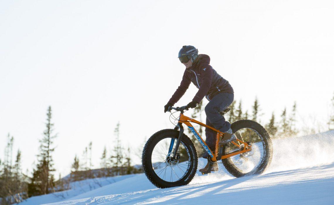 Fatbike cykling i Ullådalen, Åre. Foto: Mark Going