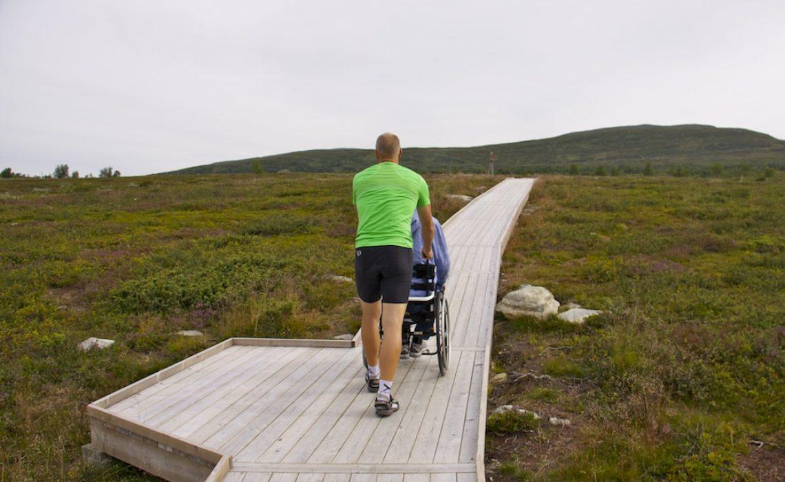 Tillgänglig utsiktsplats spång Funäsfjällen