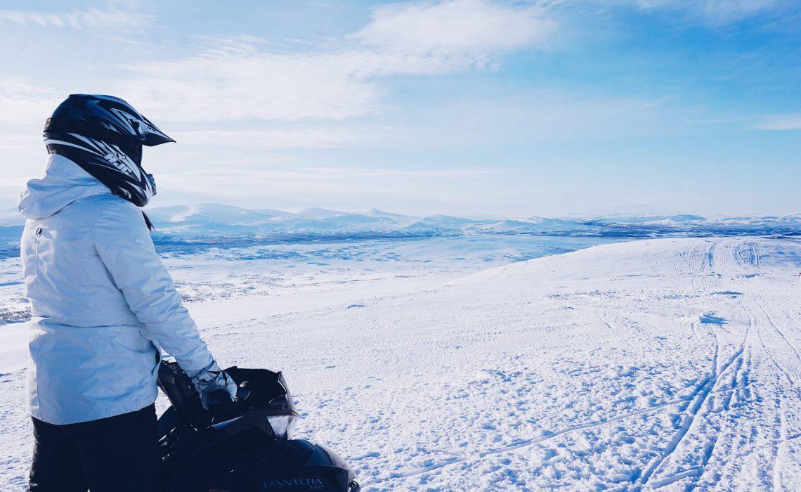 skoter äventyr snö skoter